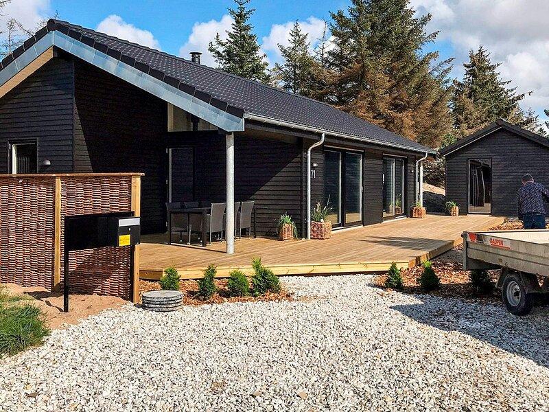 Modern Holiday Home in Jutland Near North Sea Coast, holiday rental in Skyum