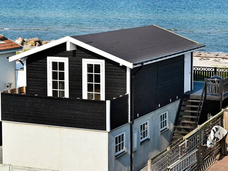 Luxurious Holiday Home in Otterup Near Ocean, holiday rental in Otterup
