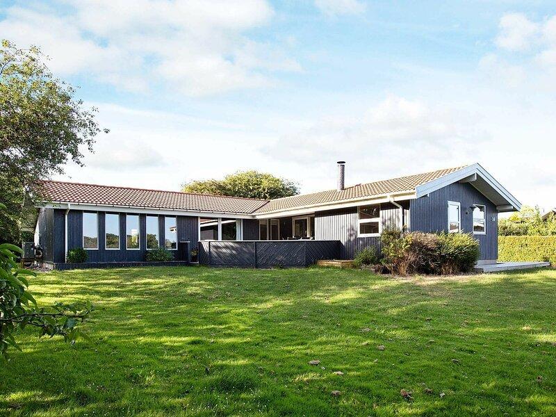 Capacious Holiday Home in Ringstedgade with Sauna, holiday rental in Kalundborg Municipality