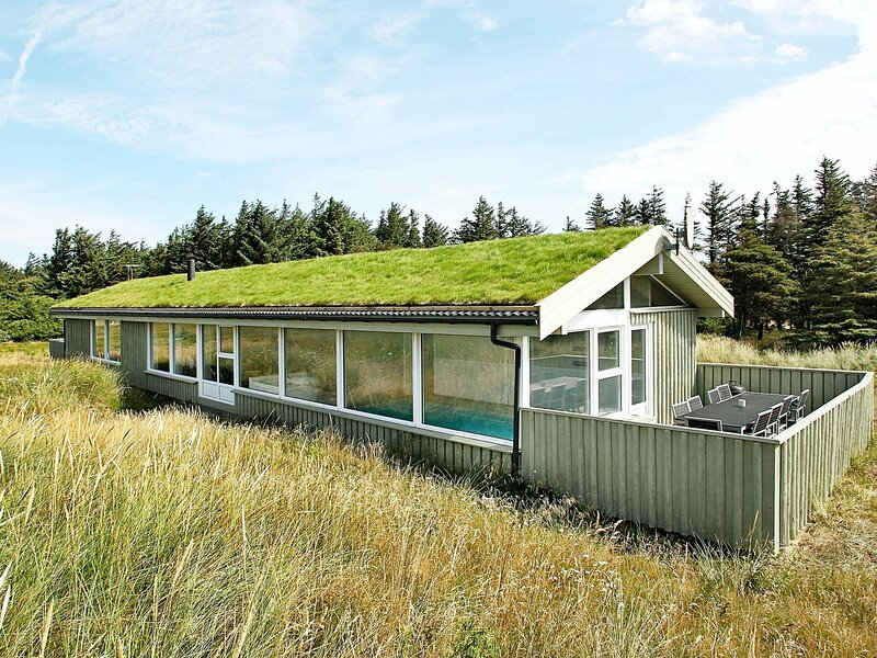 Rustic Holiday Home in Løkken With Swimming Pool, holiday rental in Jammerbugt Municipality