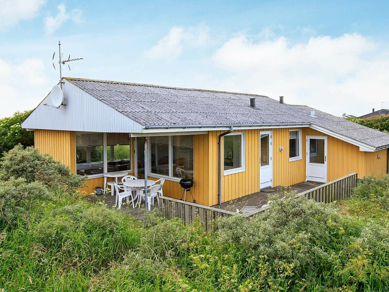 Luxurious Holiday Home in Hjørring With Sauna, location de vacances à Skallerup Klit