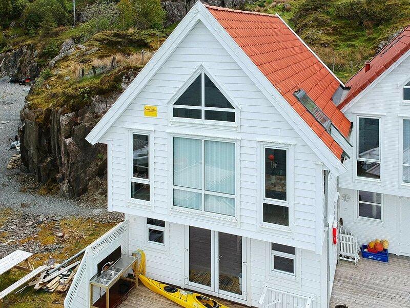 6 person holiday home in Urangsvåg, aluguéis de temporada em Stord Municipality