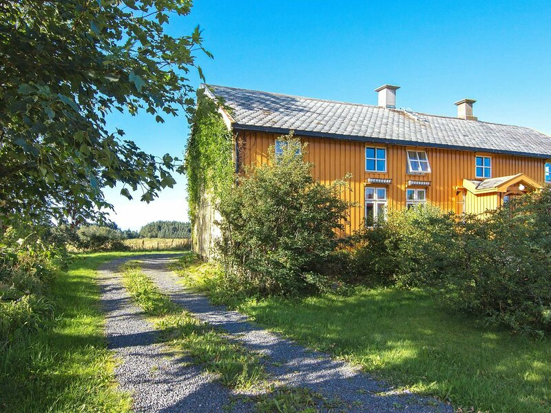 11 person holiday home in Farstad, holiday rental in Averoy Municipality