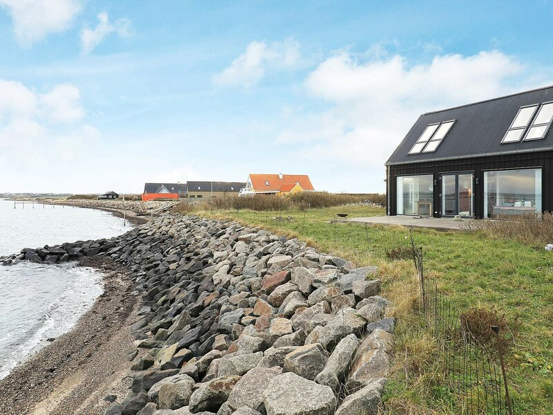 Picturesque Holiday Home in Struer Near Sea, holiday rental in Vinderup