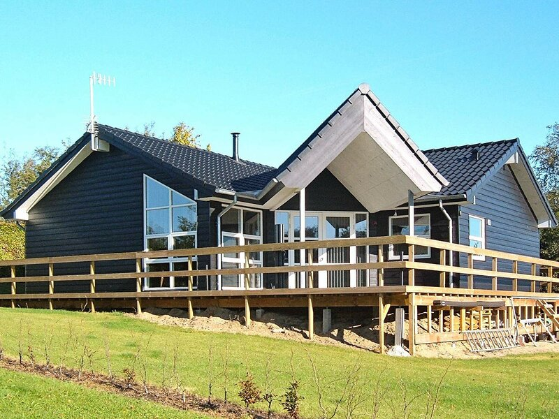 Peaceful Holiday Home in Roslev Denmark with Terrace, location de vacances à Jorsby
