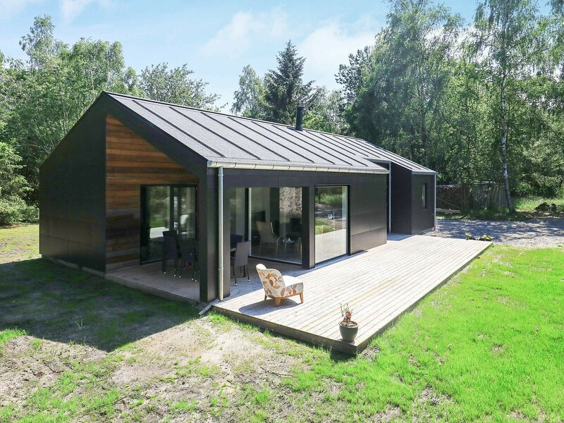 Picturesque Holiday Home in Nordjylland near Sea, holiday rental in Laesoe Island