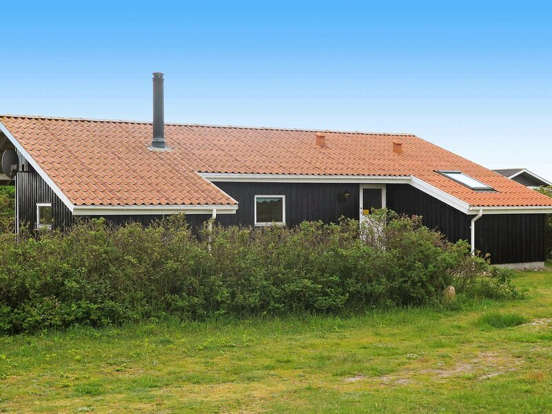 Tranquil Holiday Home in Harboøre with Private Whirlpool, holiday rental in Ferring