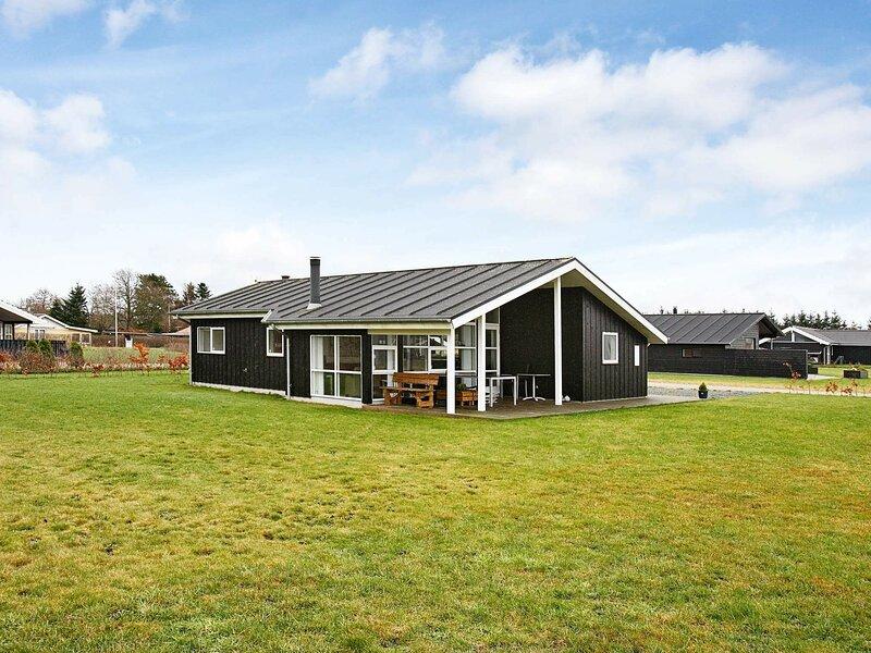 Cosy Holiday Home in Hadsund with Sauna, location de vacances à Hadsund