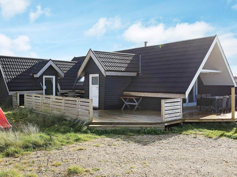 Calm Holiday Home in Thisted with Terrace, holiday rental in Lild Strand