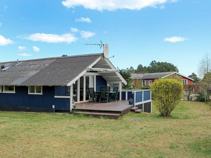 Serene Holiday Home in Hadsund near Sea, casa vacanza a Mariagerfjord Municipality
