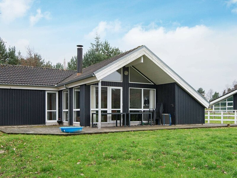 Luxury Holiday Home in Jutland near Sea, location de vacances à Femmoeller