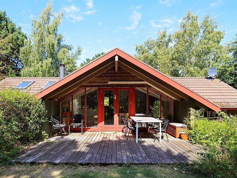 Premium Holiday Home in Hovedstaden near Sea, holiday rental in Tisvildeleje