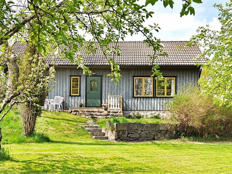 4 star holiday home in ASKERÖARNA, location de vacances à Stenungsund