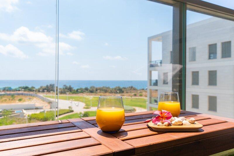 Stunning Achziv Apartment Spectacular Sea Views, vacation rental in Nahariya