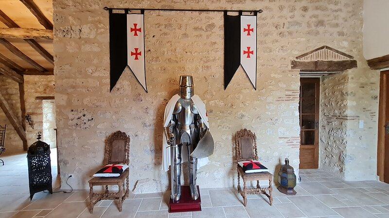 Le Relais des Chevaliers 'La chambres des chevaliers', vacation rental in Milhars