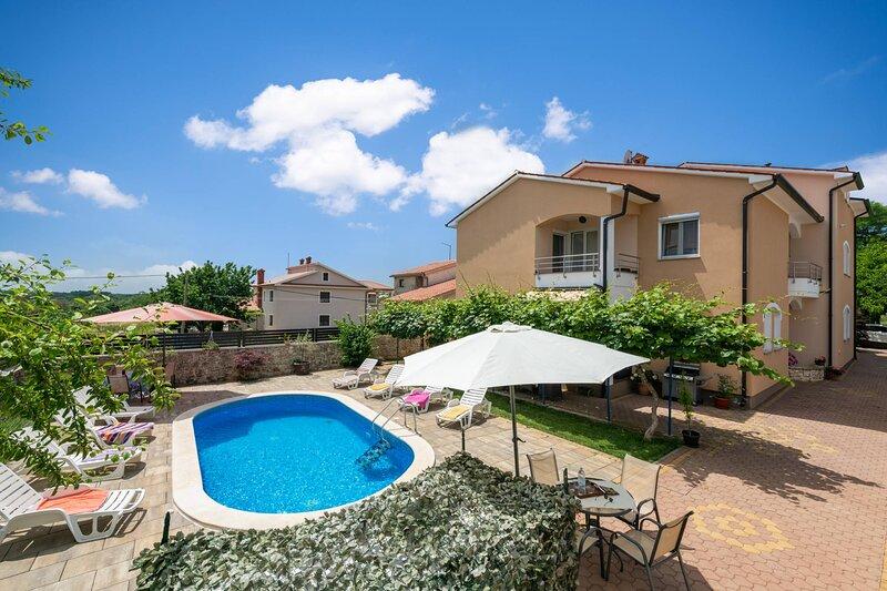 Holiday house Andrea, holiday rental in Marcana