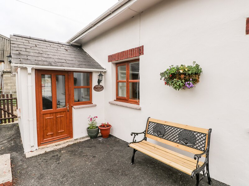 Stable Cottage, Haverfordwest, vacation rental in Spittal