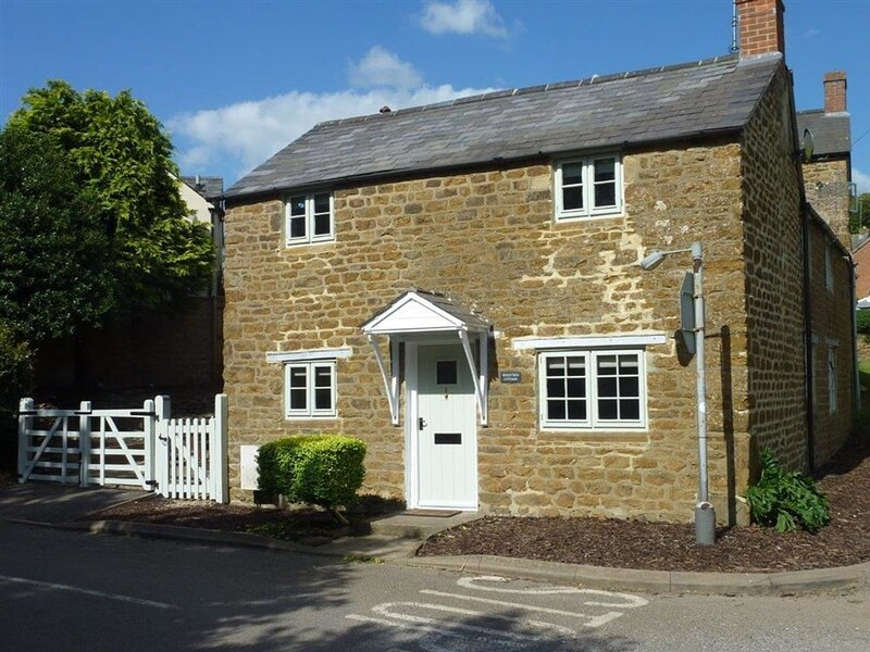 Hollytree Cottage, Hook Norton, vacation rental in Sibford Gower