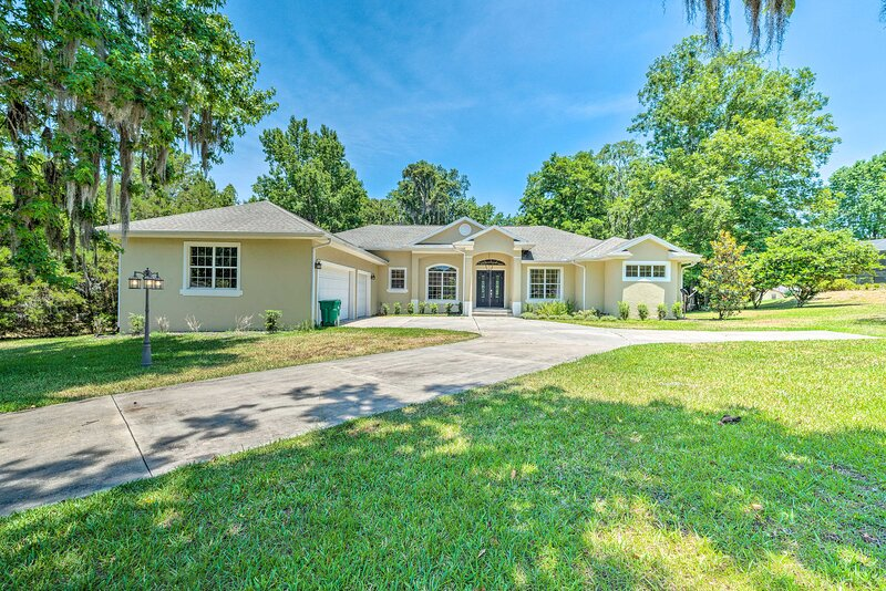 NEW! Stay 3 Mi from WEC at Ocala County Retreat!, holiday rental in Williston
