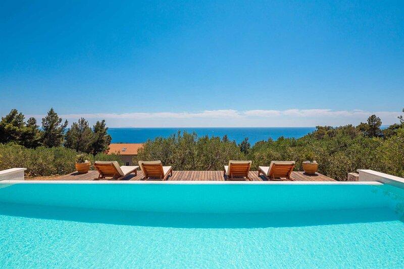 Villa Santa Domenica with Pool, casa vacanza a Sveta Nedilja