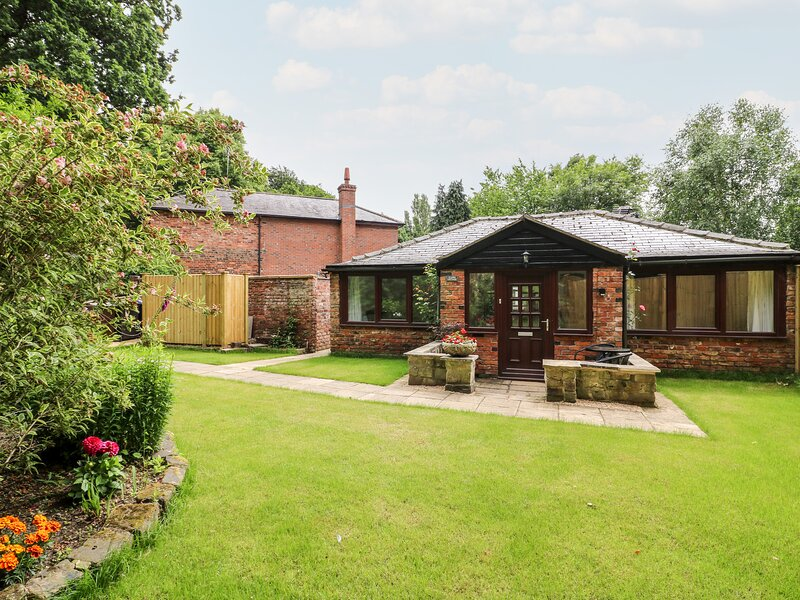 Claire Cottage, Hambleton, North Yorkshire, holiday rental in Riccall