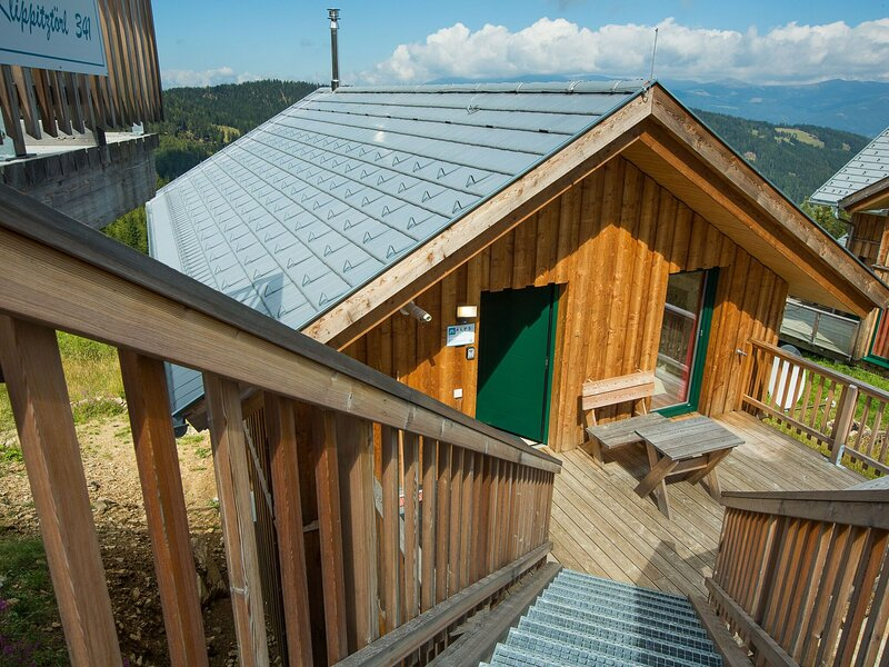 Amazing Chalet in Bad St. Leonhard with Terrace, holiday rental in Wolfsberg