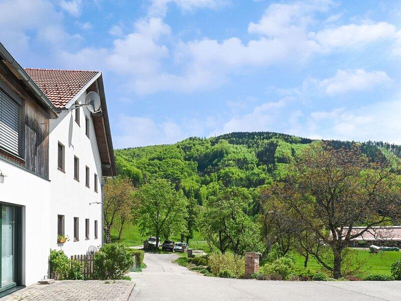 Enticing Farmhouse Apartment in Scheibbs, holiday rental in Annaberg
