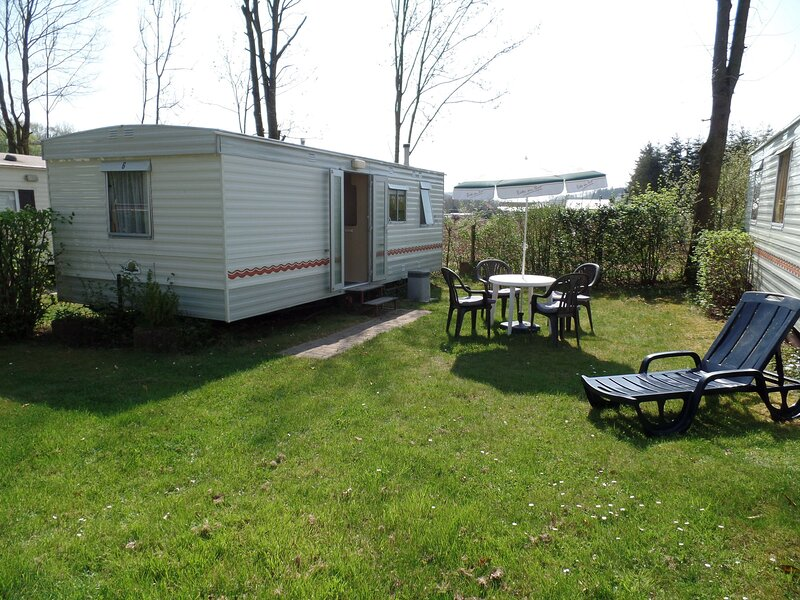 Carefully furnished mobilehome on the border with Luxembourg, holiday rental in Bollendorf