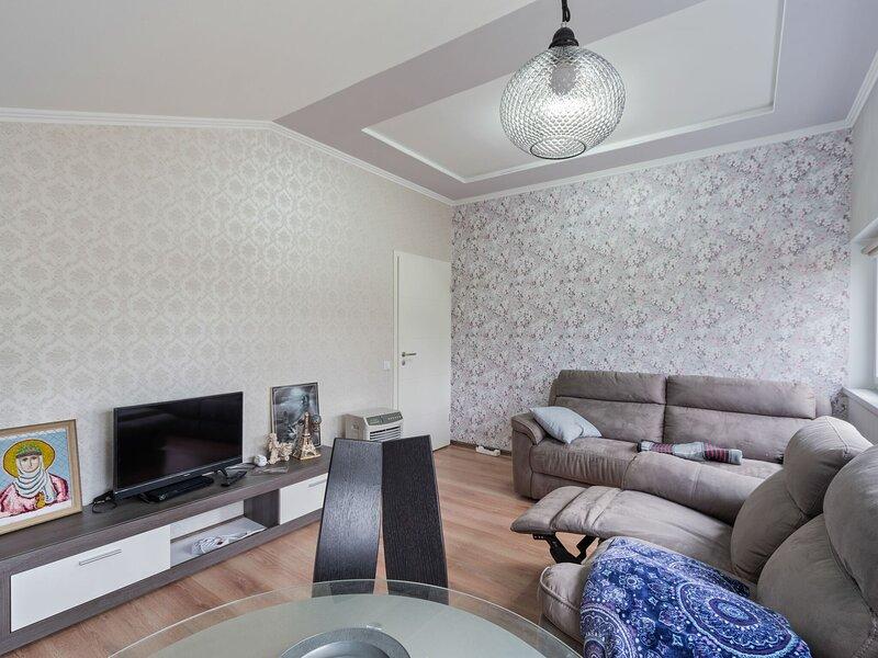 Modest Apartment in Bad Soden-Salmünster near Hiking, holiday rental in Steinau an der Strasse
