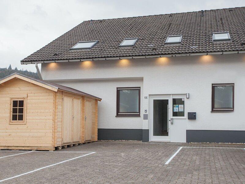 Modern studio with private terrace in Winterberg-Züschen, alquiler vacacional en Hallenberg