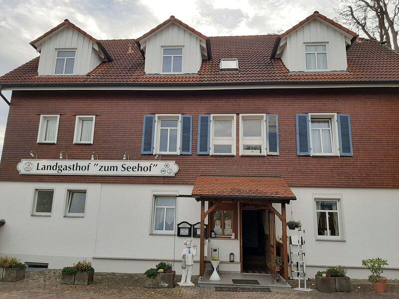 Marvelous Apartment in Rottweil near Linsenbergweiher, holiday rental in Niedereschach