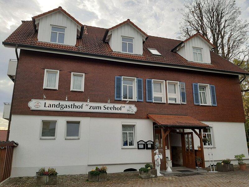 Ideal Apartment in Rottweil near Rottweil Test Tower, holiday rental in Niedereschach