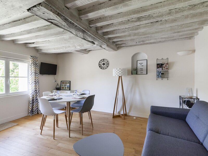 Heritage Apartment in Bayeux near Museum of Art, holiday rental in Vaux-sur-Aure