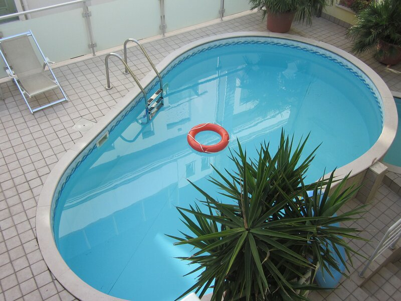 Luxurious Residential Holiday Home in pedestrial zone, Italy, holiday rental in Cattolica