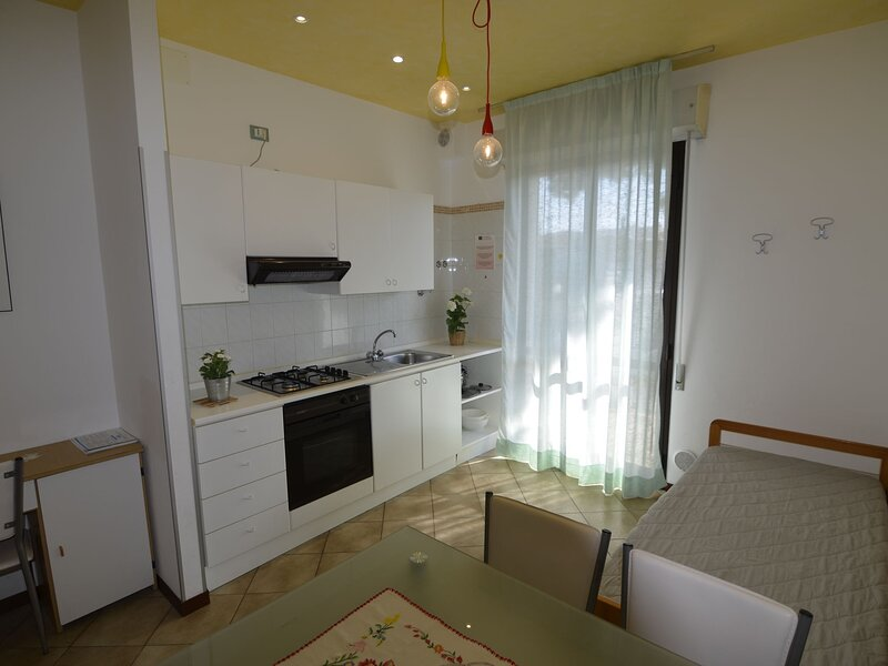 Exclusive Apartment in Cattolica with Beach Nearby, holiday rental in Cattolica