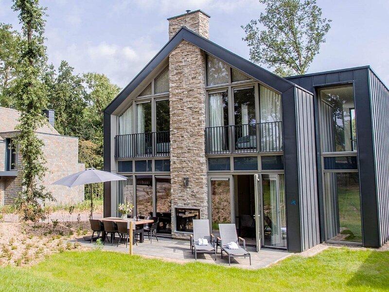 Luxury villa with fireplace, 4km from Maastricht, alquiler vacacional en Rekem