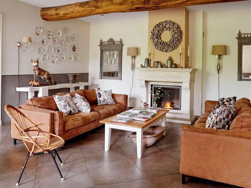 Beautiful Farmhouse in Baarlo with Private Garden, location de vacances à Arcen