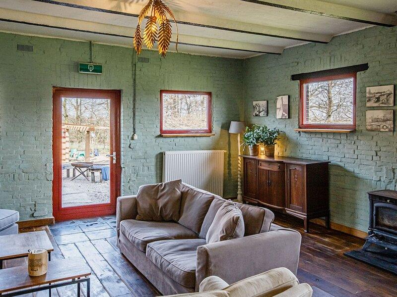 Quaint Holiday Home in Limburg near Cauberg, location de vacances à Westbroek