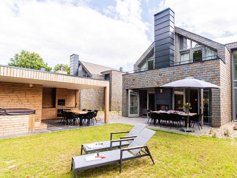 Superb wellness villa with a view, near Maastricht, alquiler vacacional en Rekem