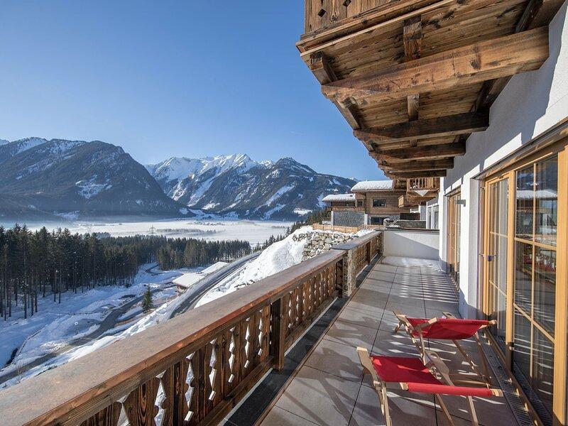 Luxury Chalet in Neukirchen near Wildkogel Ski Arena, holiday rental in Schonbach