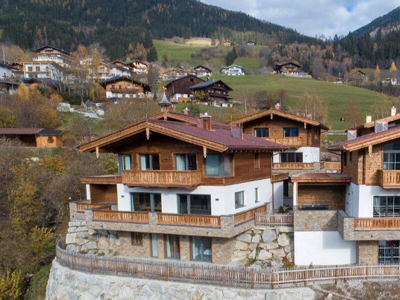 Amazing Chalet in Neukirchen near Wildkogel Ski Arena, holiday rental in Schonbach