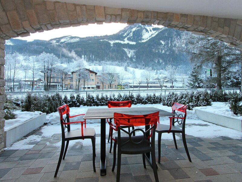 Cozy Apartment with Sauna in Saalbach-Hinterglemm, holiday rental in Hinterglemm