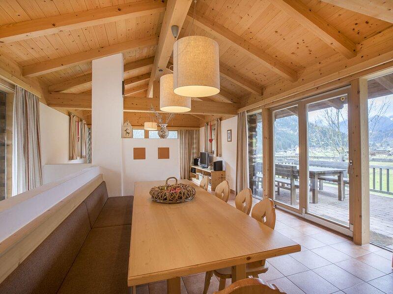 Modern Chalet in Wald-Königsleiten near Zillertal Arena, holiday rental in Wald im Pinzgau
