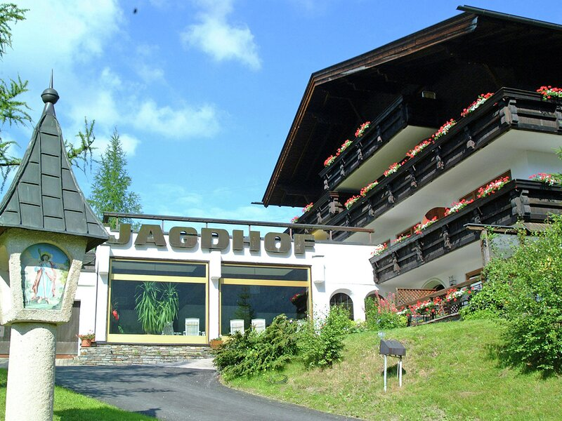 Spacious Apartment in Auland bei Seefeld with In-house Sauna, holiday rental in Seefeld in Tirol