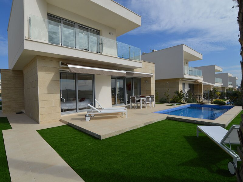Charming Villa in Orihuela with Private Swimming Pool, holiday rental in Lo Rufete