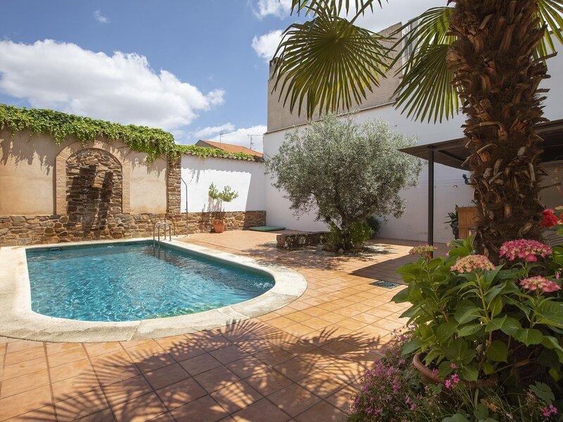 Appealing Cottage in Ciudad Real with Private Pool, aluguéis de temporada em El Robledo