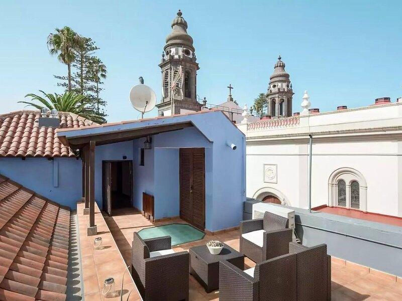 Traditional Holiday Home in Tenerife with Private Terrace, location de vacances à San Cristobal de La Laguna