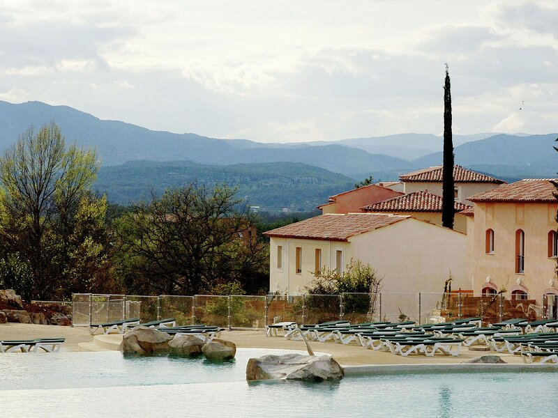 Modern holiday home with dishwasher in the Ardèche region, holiday rental in Bessas