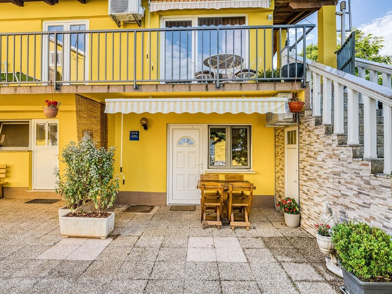 Secluded Holiday Home in Lovran with Garden, holiday rental in Dobrec