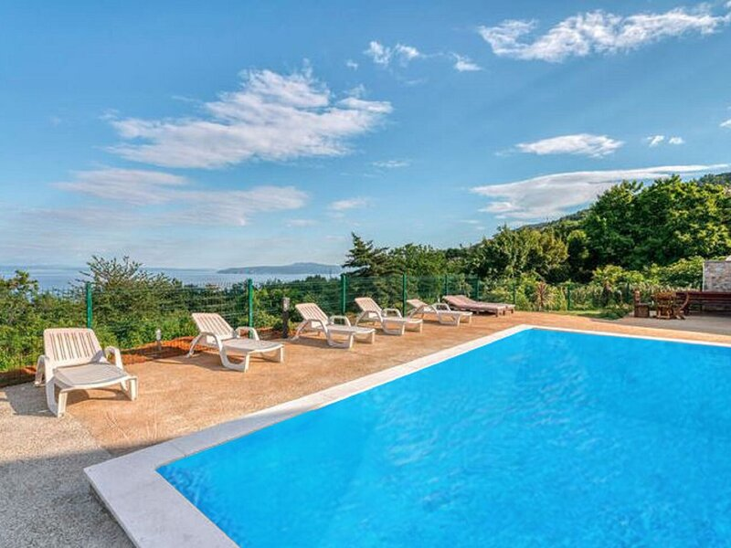 Simplistic Holiday Home in Lovran with Swimming Pool, holiday rental in Dobrec